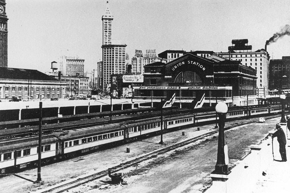 union-station-view-of-trains